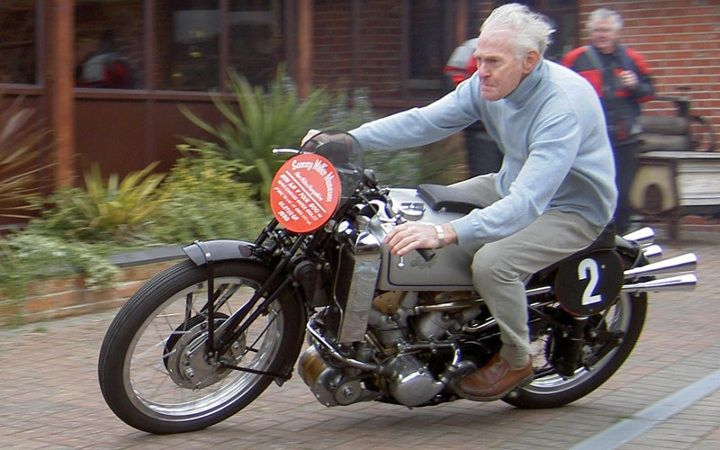 Yeeeaaah! #riding #motorcycles #motos | caferacerpasion.com