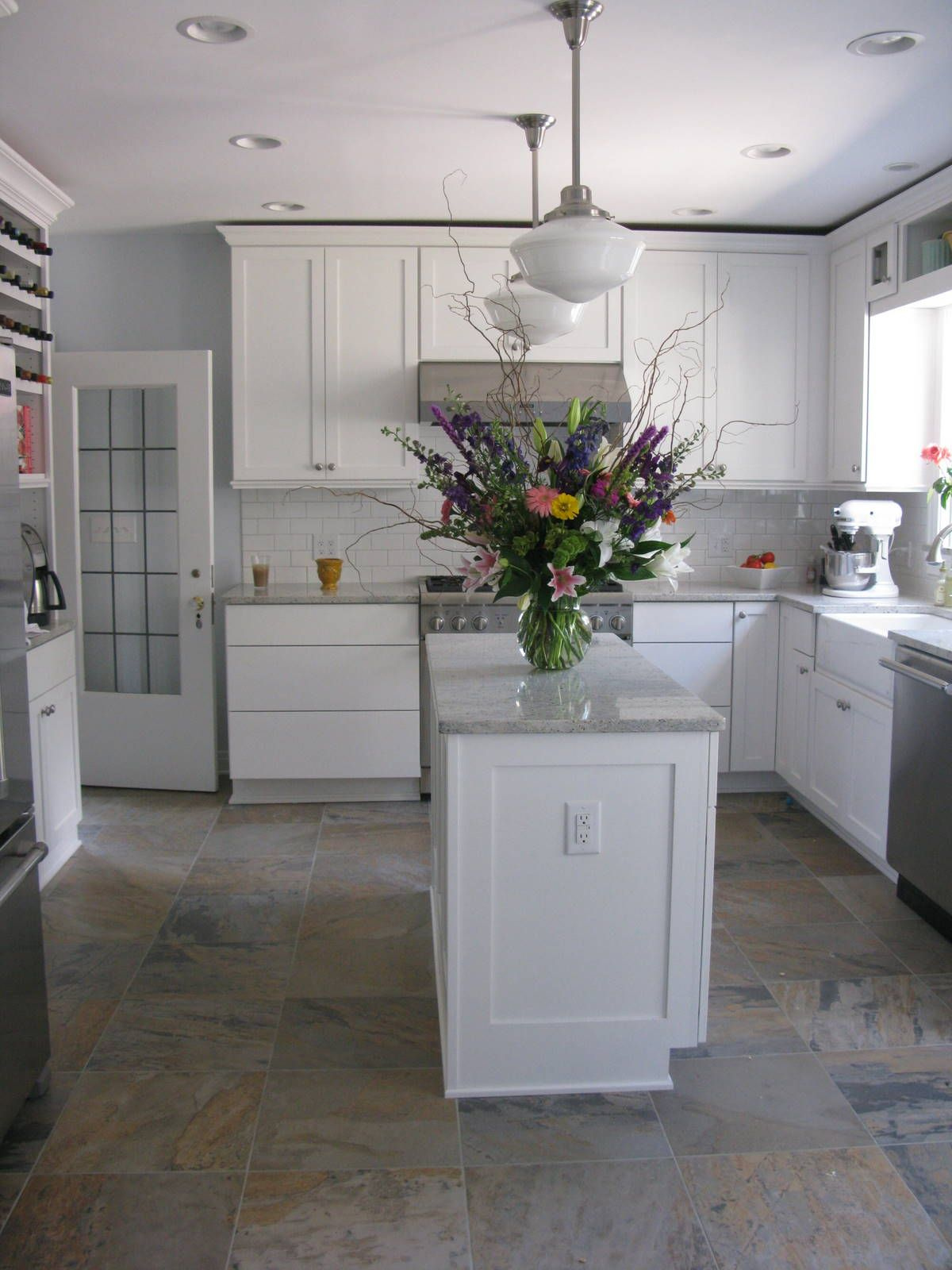 Icicle By Sherwin Williams For Master Bathroom Cute Kitchen Too Kitchen Paint White Kitchen Paint Kitchen Design Modern White