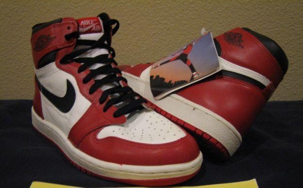 Air Jordan 1 – White / Black – Red (1985)