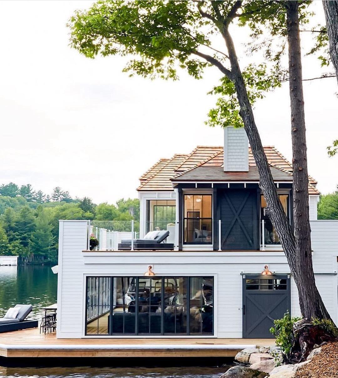 pin + insta // @ f o r t a n d f i e l d ♥ lake house with large windows  and second floor porch | Летние домики, Архитектура, Архитектурный дизайн