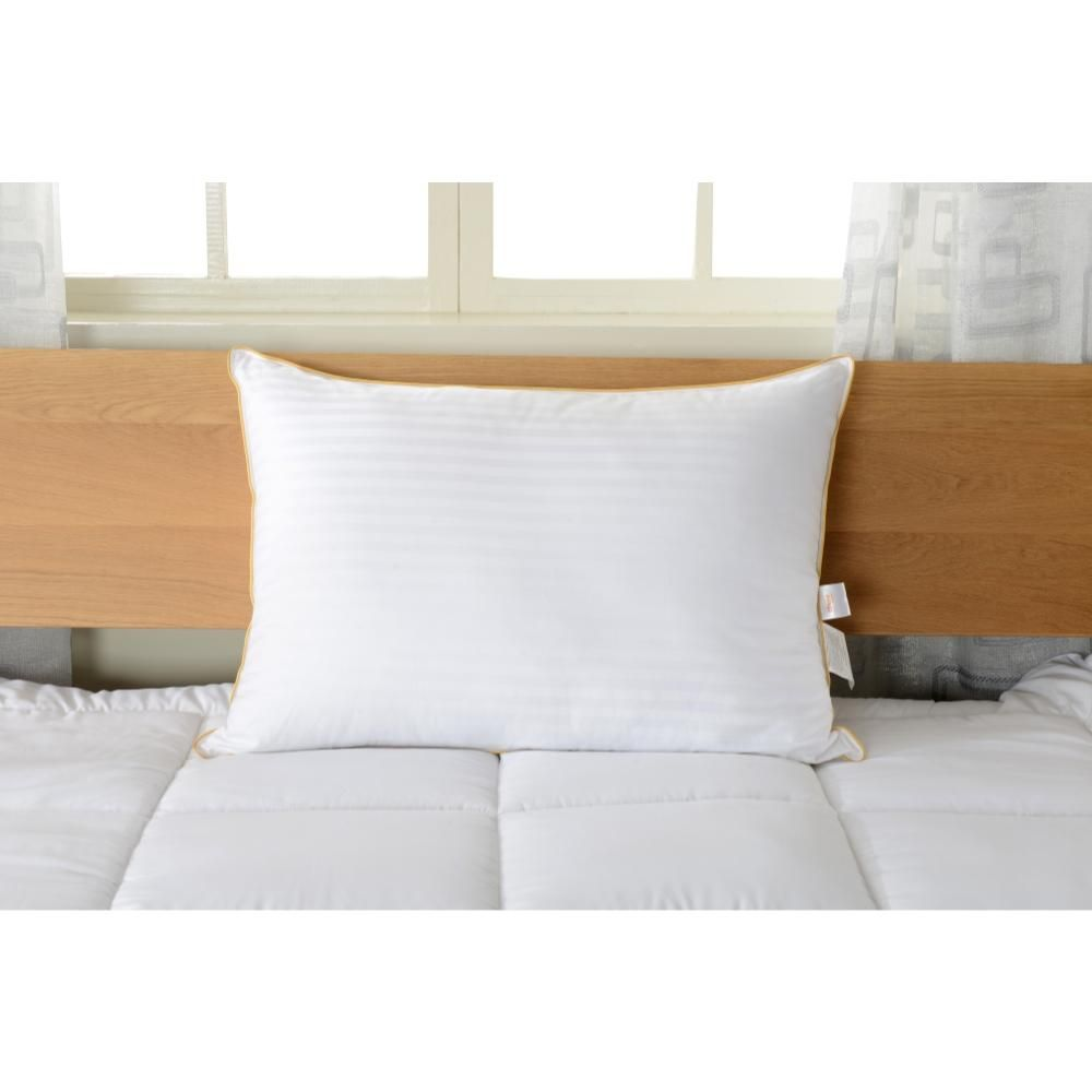 Alternative Down Filling Made From 100 Percent Polyester Microfiber Gives You The Benefits Of Down Without The Maintenance Req Pillows Soft Pillows Bed Pillows