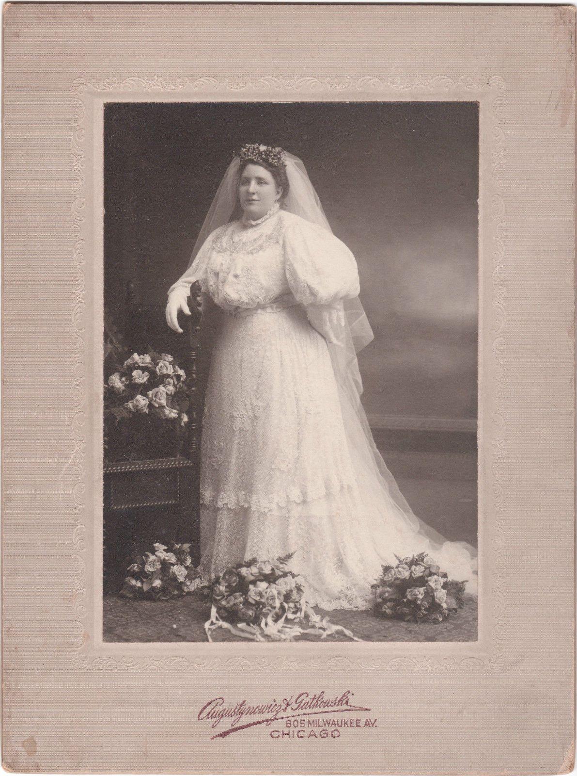C 1900 Photoi/Opulent Bride Amidst Bouquets Of Roses/ Chicago/Wedding Dress