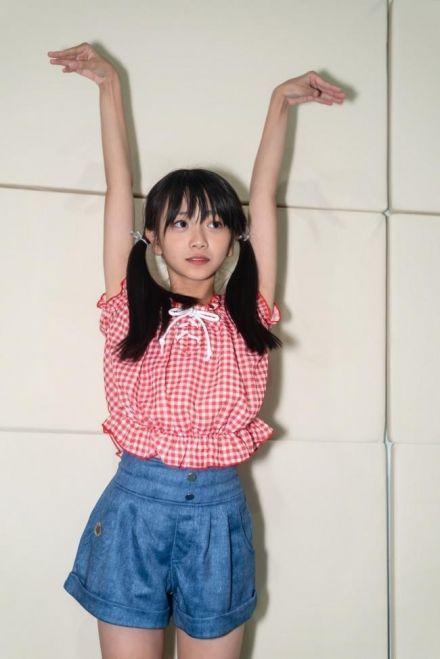 アイドル級のパイパンの女子高生が青春…スマホで撮られた悪ノリした日常の画像
