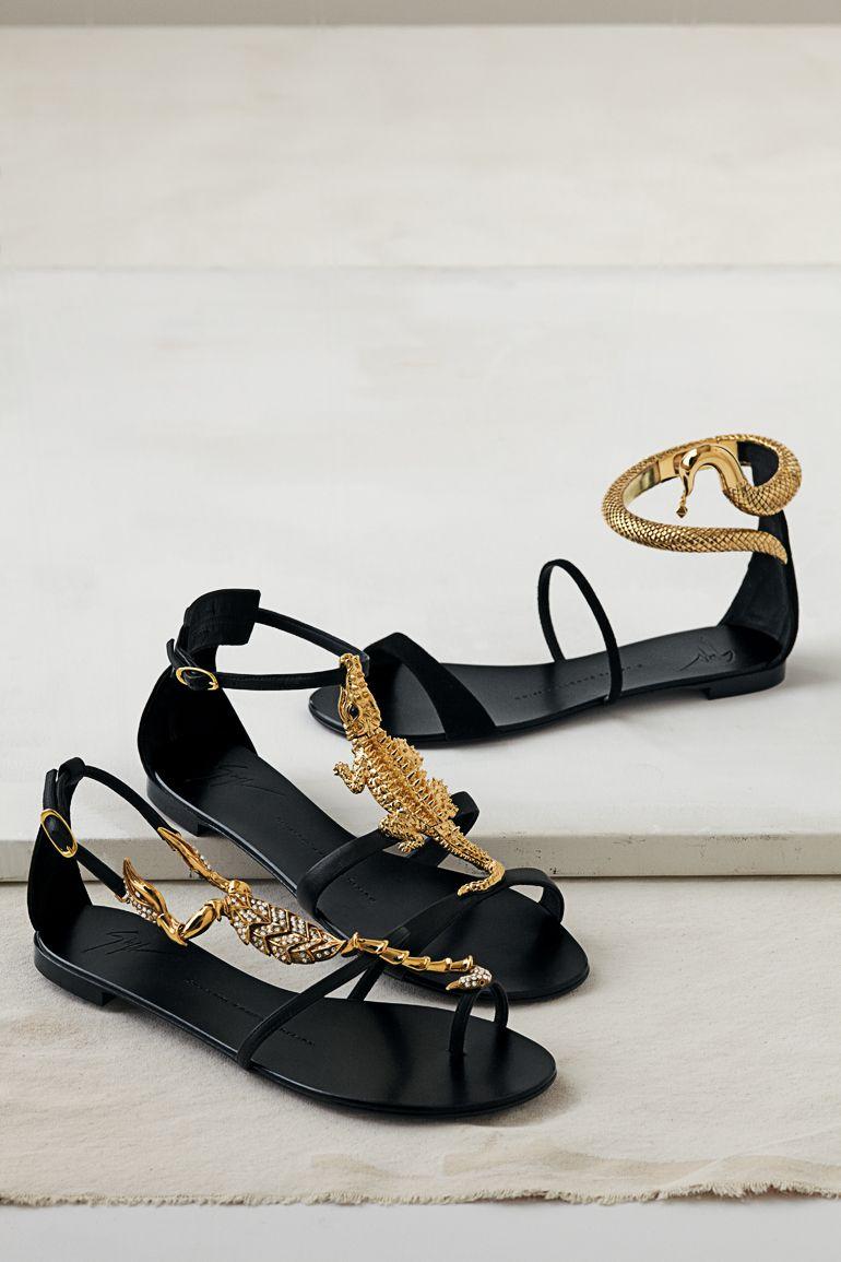 Just In Time For Summer Giuseppe Zanotti Sandals Also They Re Perfect For A Skip Through The Herpetarium 212 872 89 Goruntuler Ile Ayakkabilar Cantalar Kadin Ayakkabilari