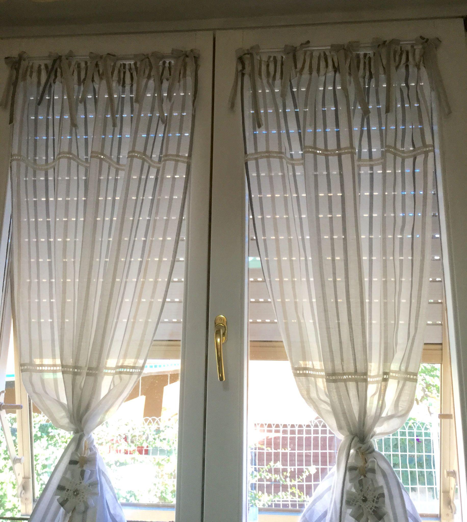 Finestre con tende interne excellent tende per finestre quali modelli scegliere per una casa di - Finestre con tende interne ...