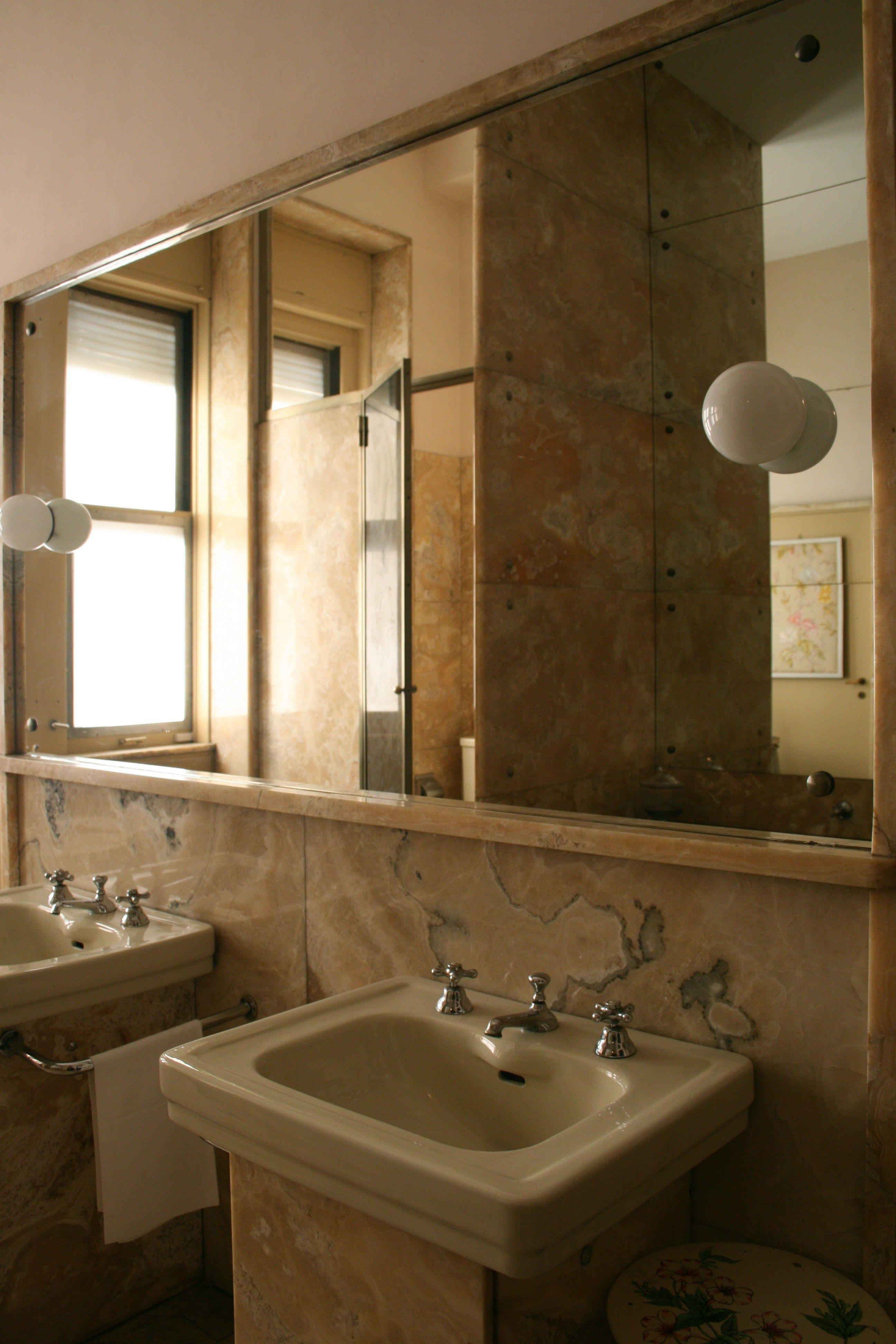 Paris Style Bathroom Decor: Villa Necchi, 1932, Piero Portaluppi