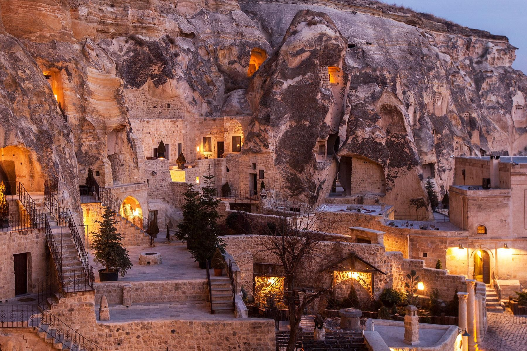 These Hotels Sit On The Edge Of Cliffs Cliff Hotel Middle - 8 things to know before visiting the middle east