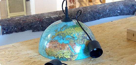 zuhause im gl ck evas basteltipp globus als pendelleuchte diy ideas pinterest. Black Bedroom Furniture Sets. Home Design Ideas