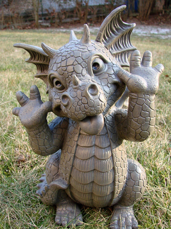 Garden Dragon Pulling Faces Dragon Figure Gargoyle 640 x 480