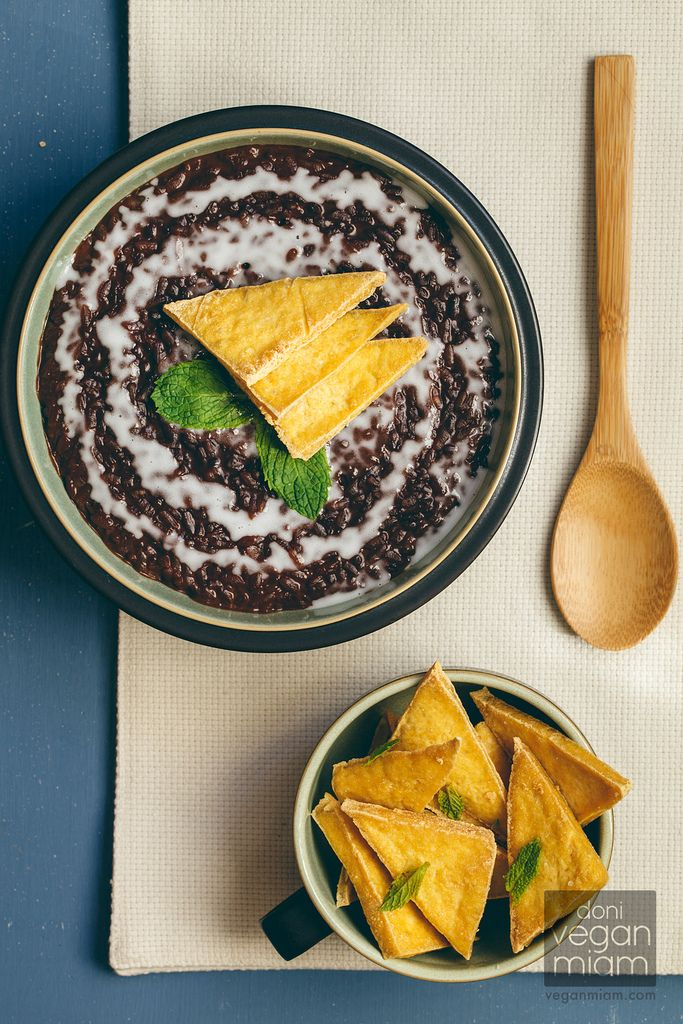 #Vegan Champorado (Filipino Chocolate Rice Porridge) with Salted Tofu Chips | vegan miam