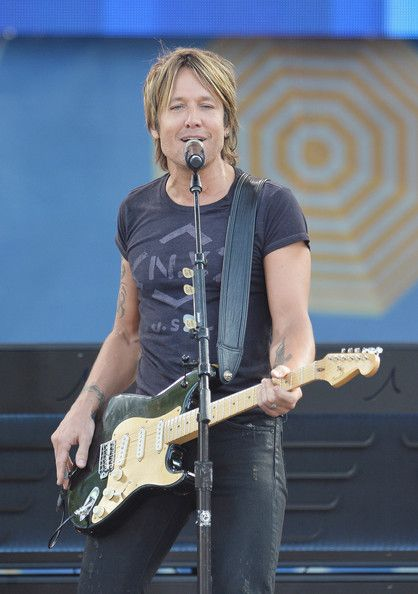 Keith Urban - Keith Urban Performs on 'GMA'