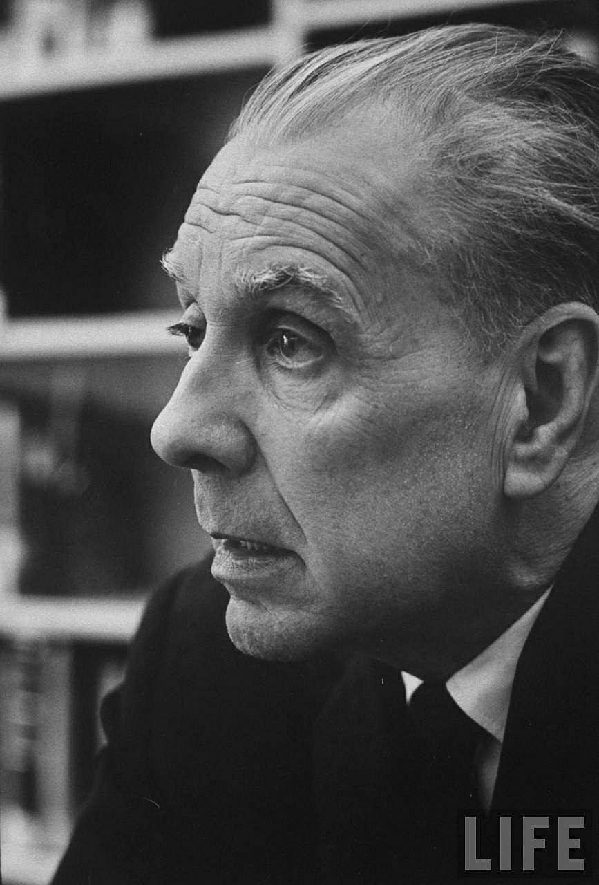 Jorge Luis Borges ocupa un puesto excepcional en la historia de la literatura por sus relatos breves. Aunque las ficciones de Borges r...