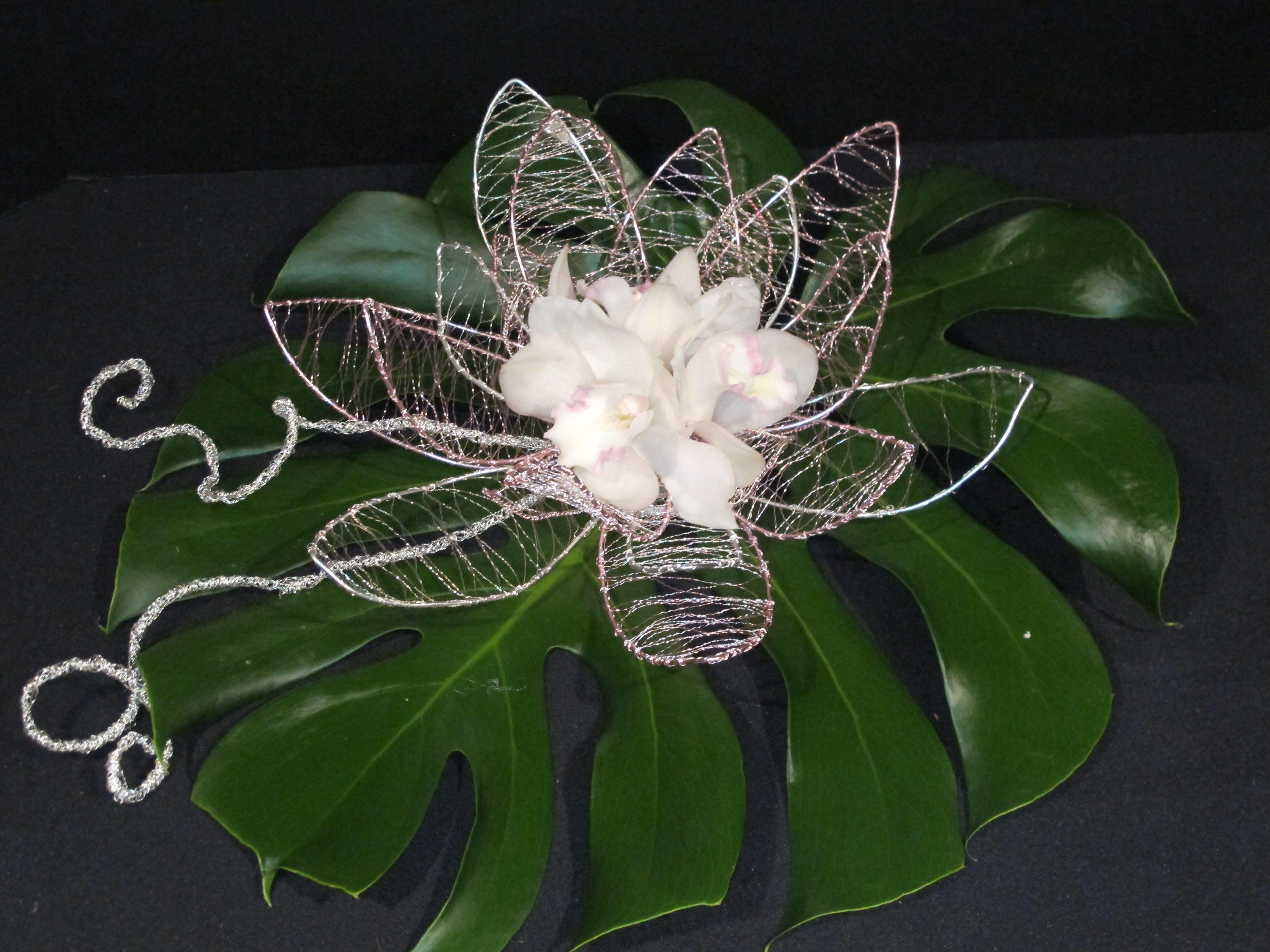 Wire flower by Viva La Flora Designs | Floral design | Pinterest ...