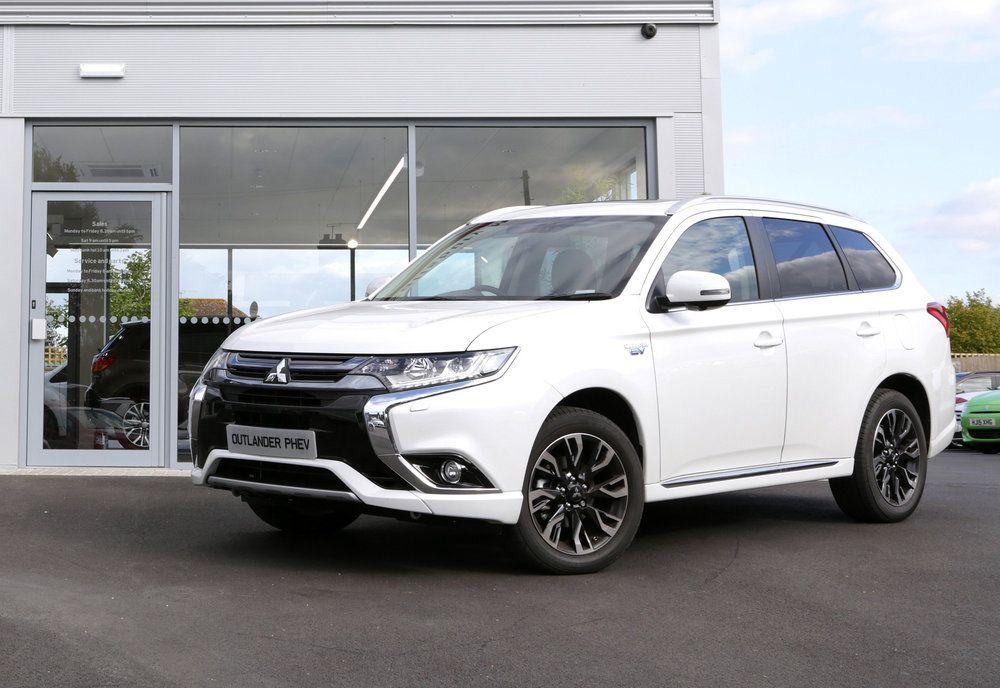 Free Charging Unit For New Mitsubishi Outlander Phev Buyers Outlander Phev Mitsubishi Outlander New Cars