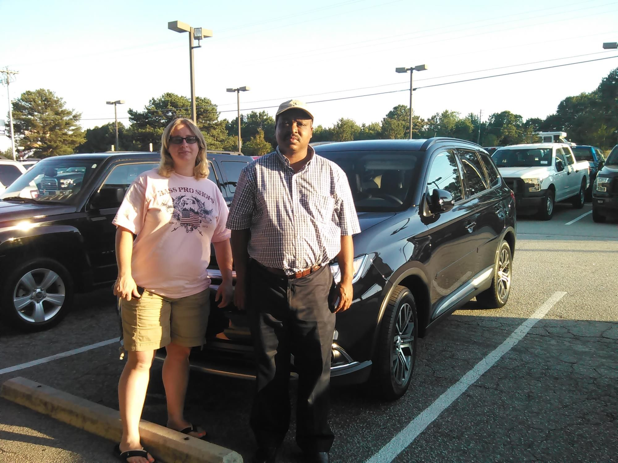 Bryan Oglesby and Judy Oglesby reviews the 2016 Mitsubishi Outlander