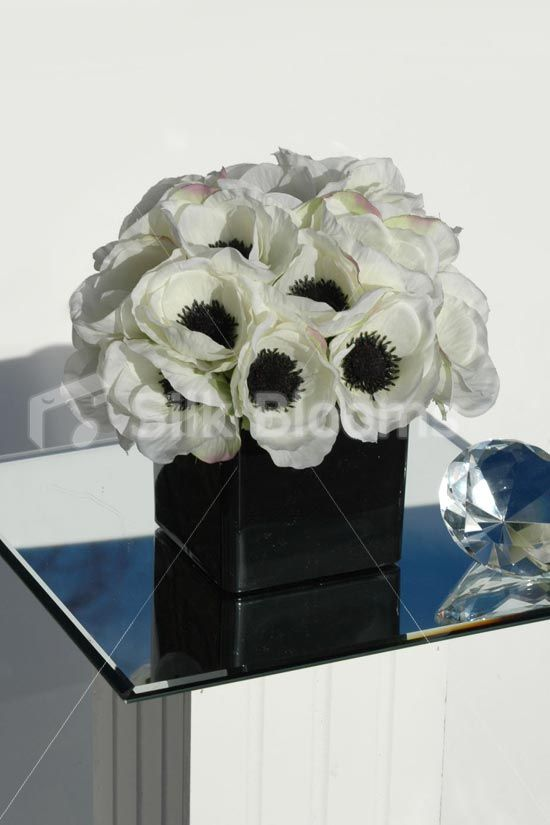 Off white anemone poppy cube floral display table arrangement stunning designer cube display amazing quality just perfect simple artificial off white anemone floral arrangement fantastic quality and very realistic mightylinksfo