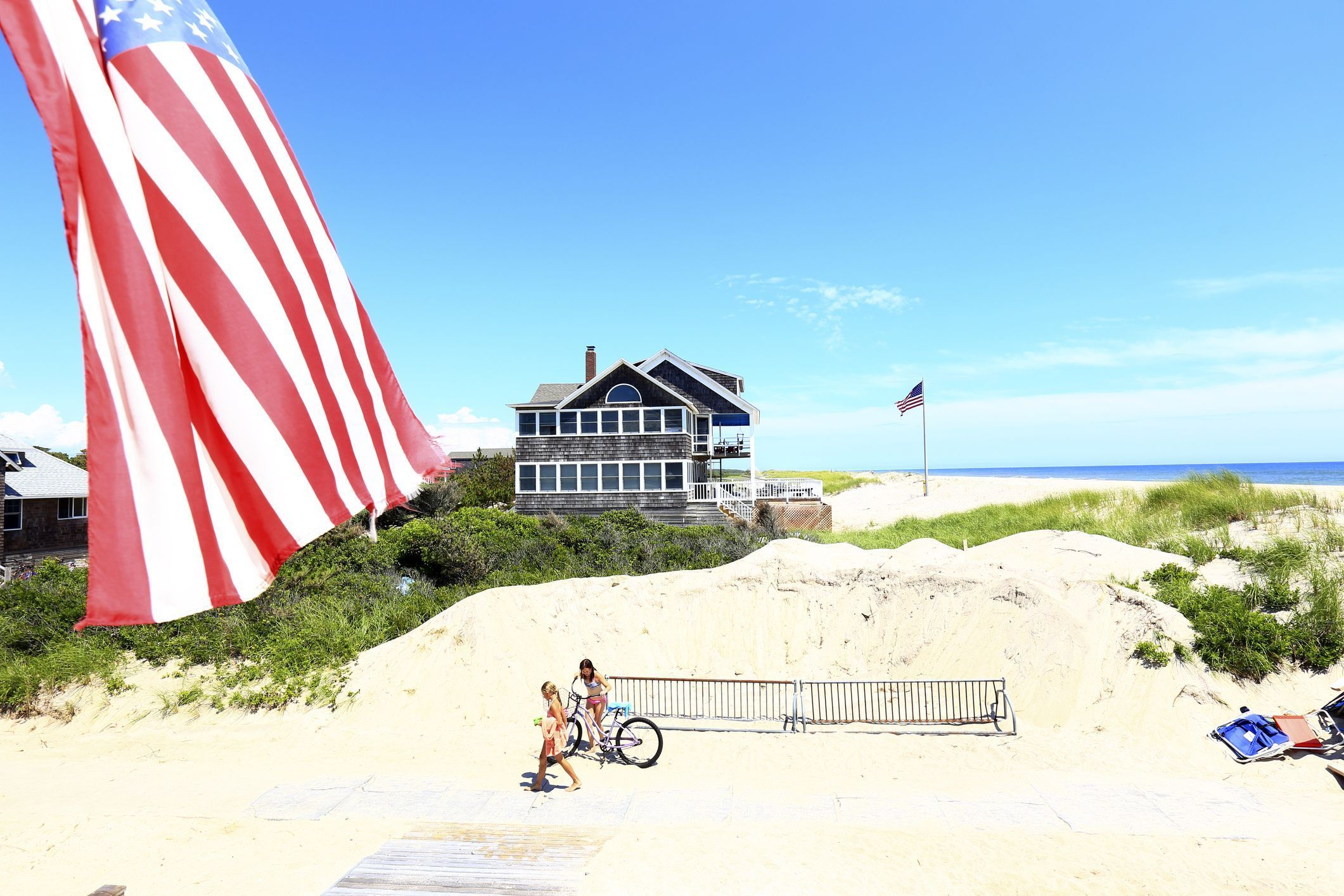 The Best South Shore Beaches On Long Island Jones Beach Long Island Long Beach Island Beach Vacation Spots