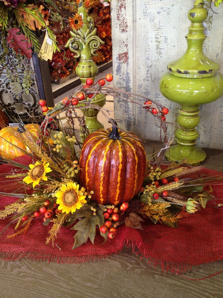 Pin by Karen Mentgen on Home Decor Fall wreath, Home