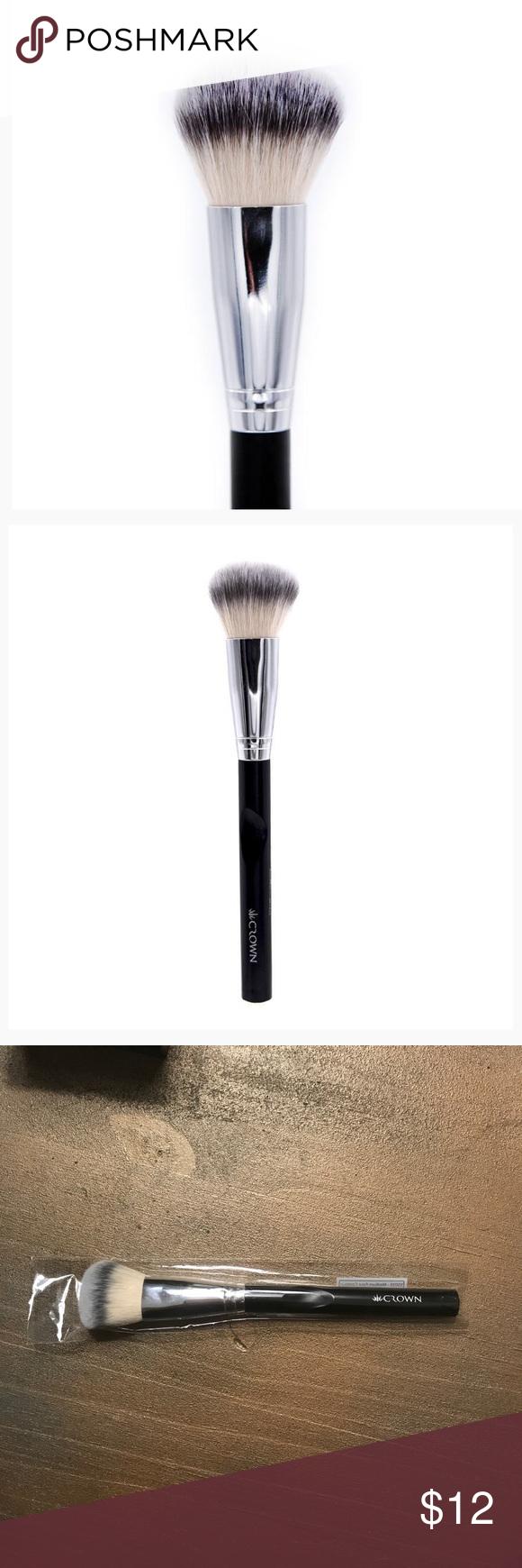 Medium face contour brush The Medium Face Contour Brush's