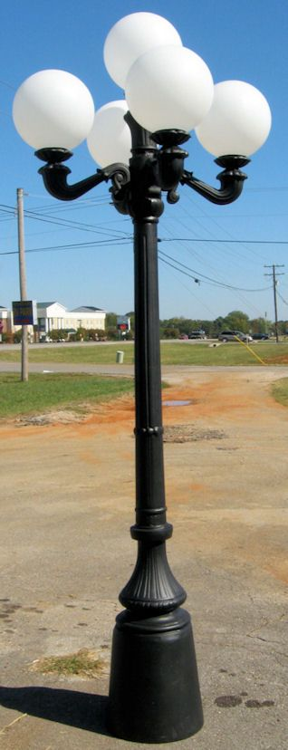 4 Arm 5 Light Cast Aluminum Street Lamp Post With Round Globes And