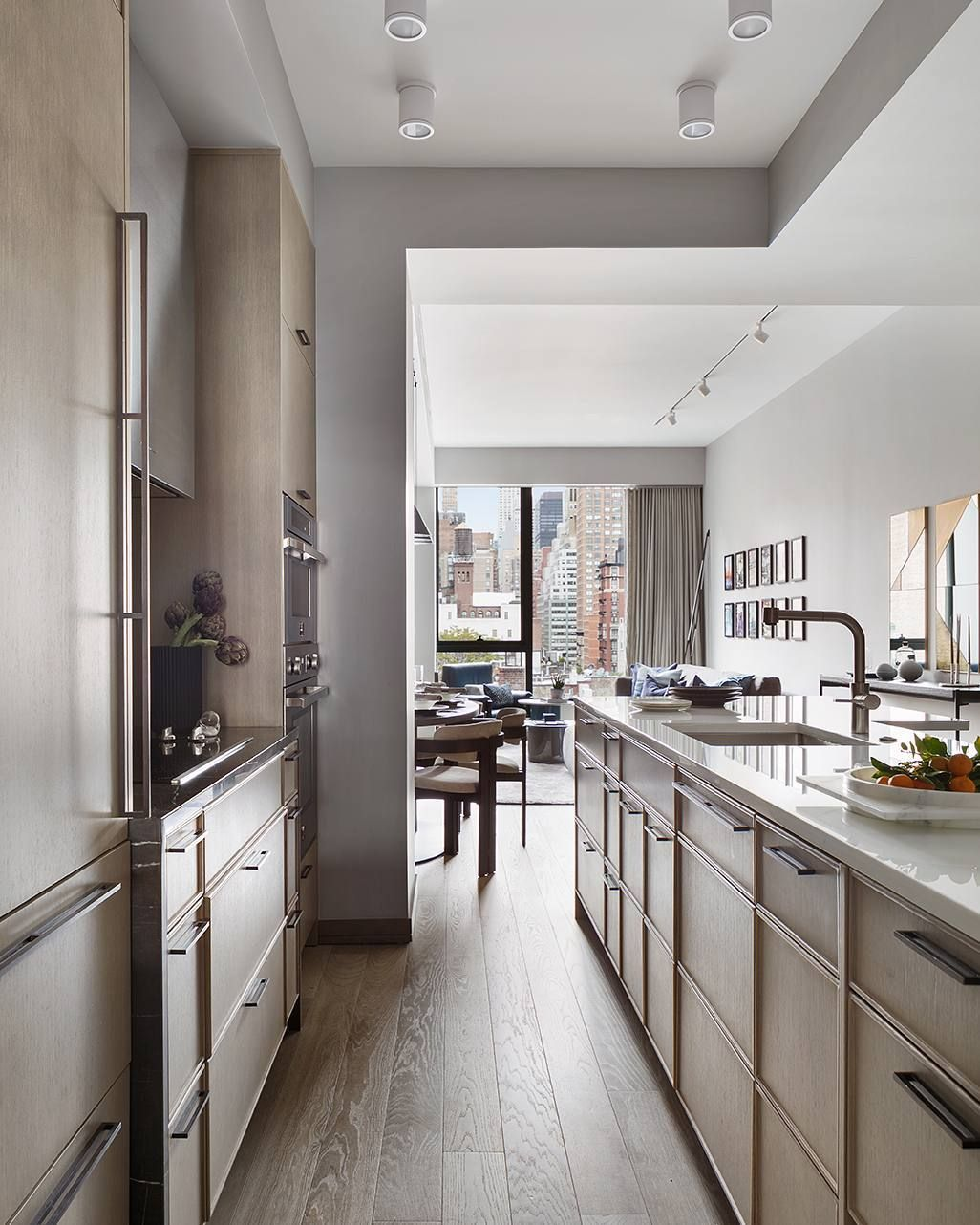 Fantastic Sleek Manhattan Kitchen By Workshopapd Download Free Architecture Designs Itiscsunscenecom