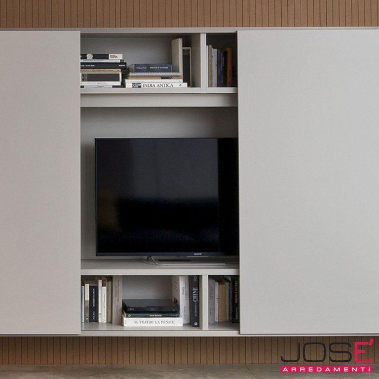 il pannello a muro porta tv si puo' abbinare a contenitori o ante