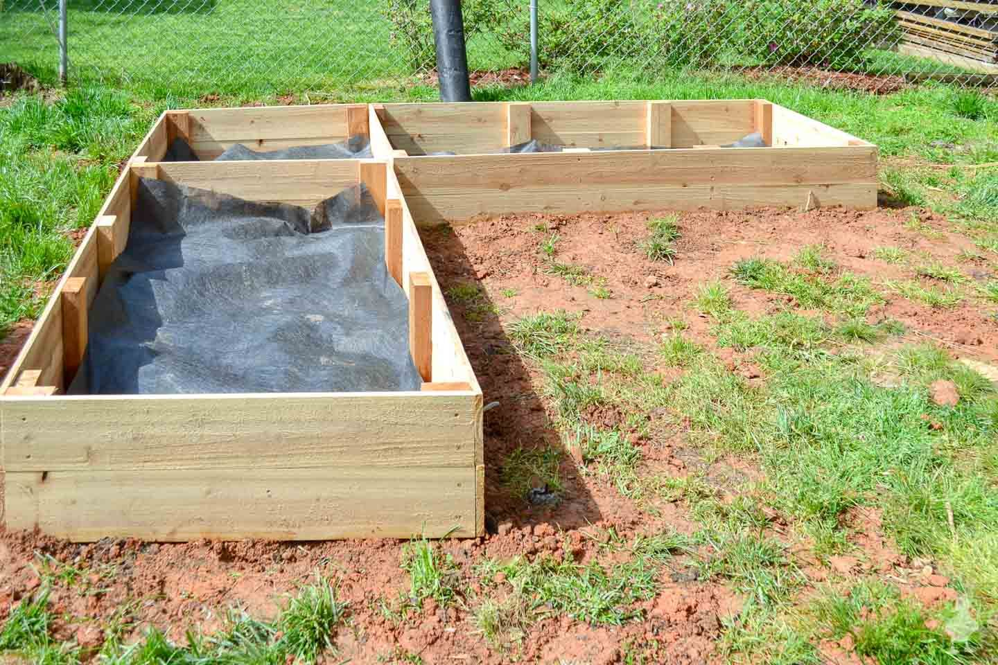 Diy L Shaped Garden Bed Garden Beds Raised Garden Beds