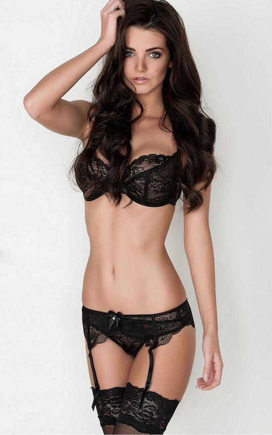 Sexy girls in thongs pics