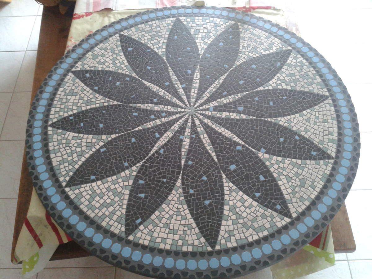 plateau de table en mosa que mandala fleur plateau de. Black Bedroom Furniture Sets. Home Design Ideas