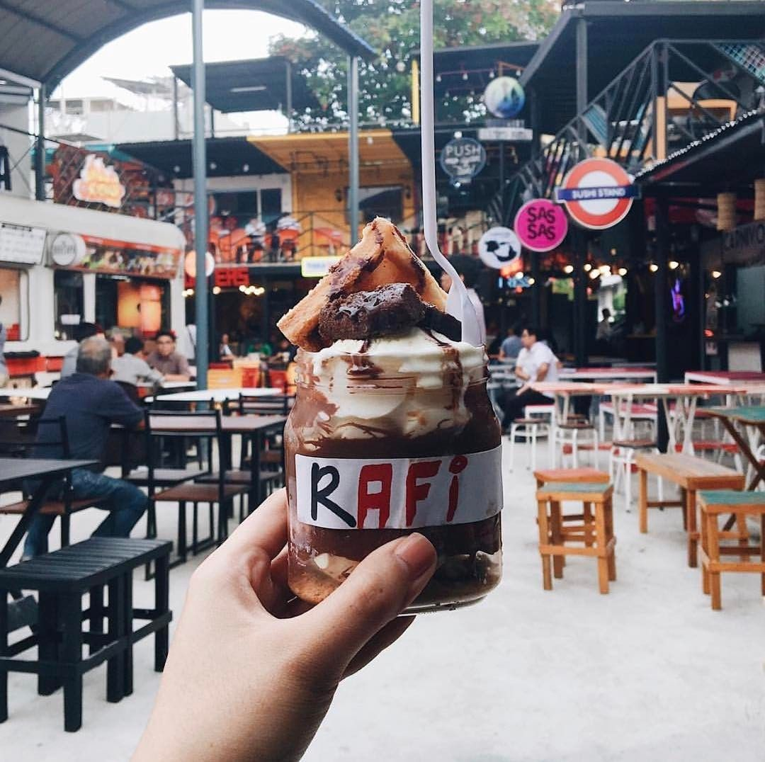 NEW FOOD PARK ALERT: The Yard Underground - Pasig  Inspired by the London Underground this food park houses 30 different stalls  @rafidizon # #bookymanila  View its exact location on our app!  Tag your friends who love food parks