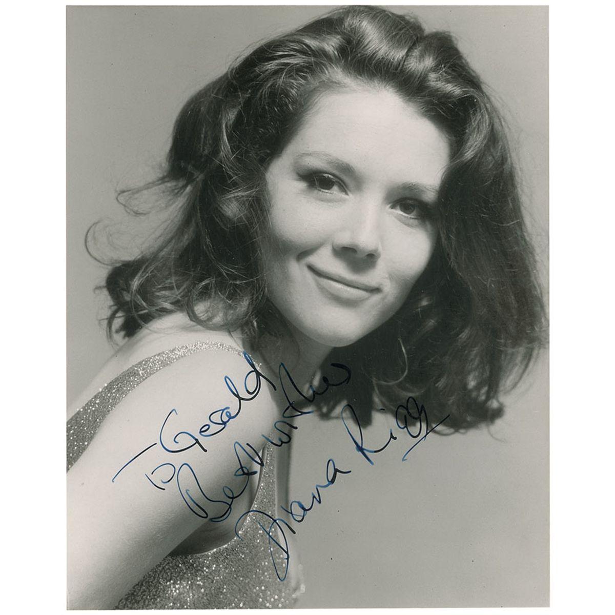 photo Diana Rigg (born 1938)