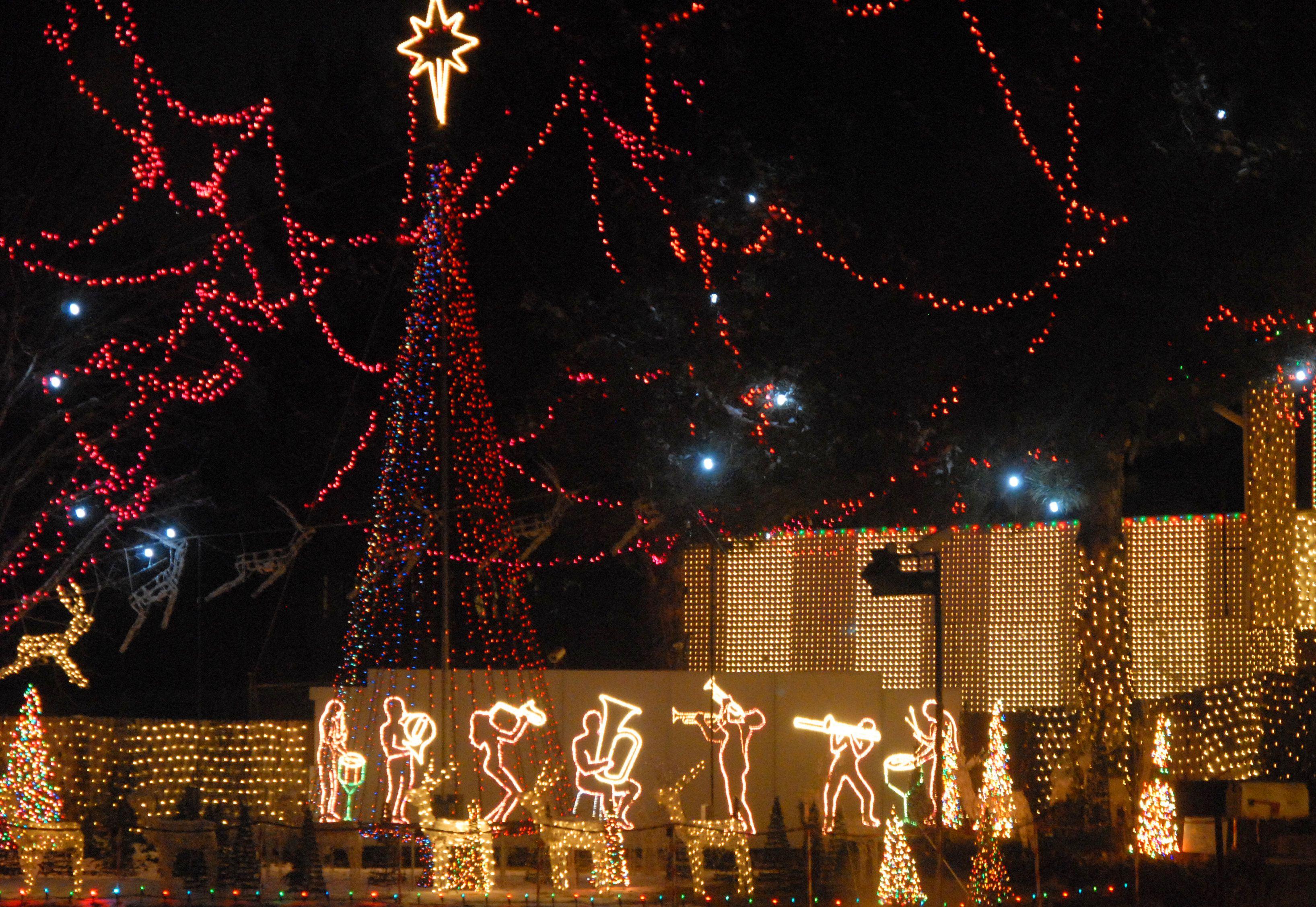 Rocking Around The Christmas House My Fav Christmas Lights In Utah Holiday Lights Holiday Activities Christmas Lights