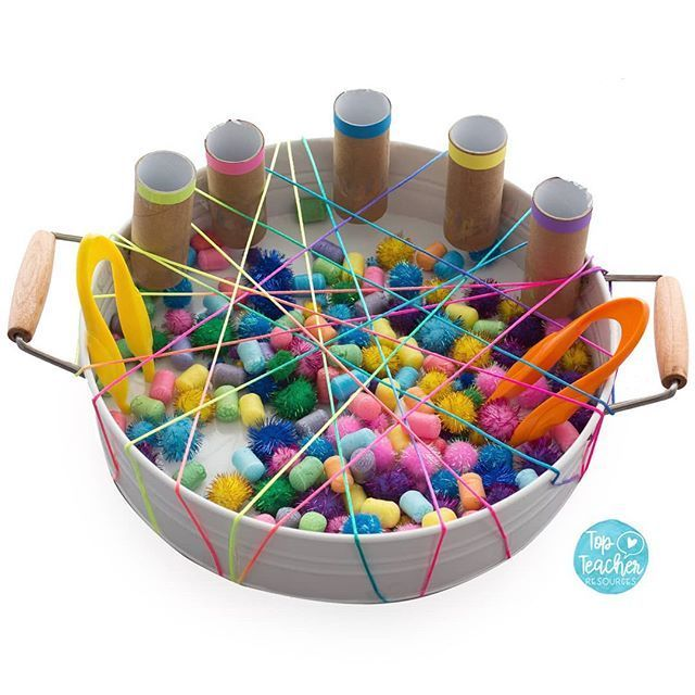This week's #topteacherplaytray is a fun fine motor colour sorting challenge