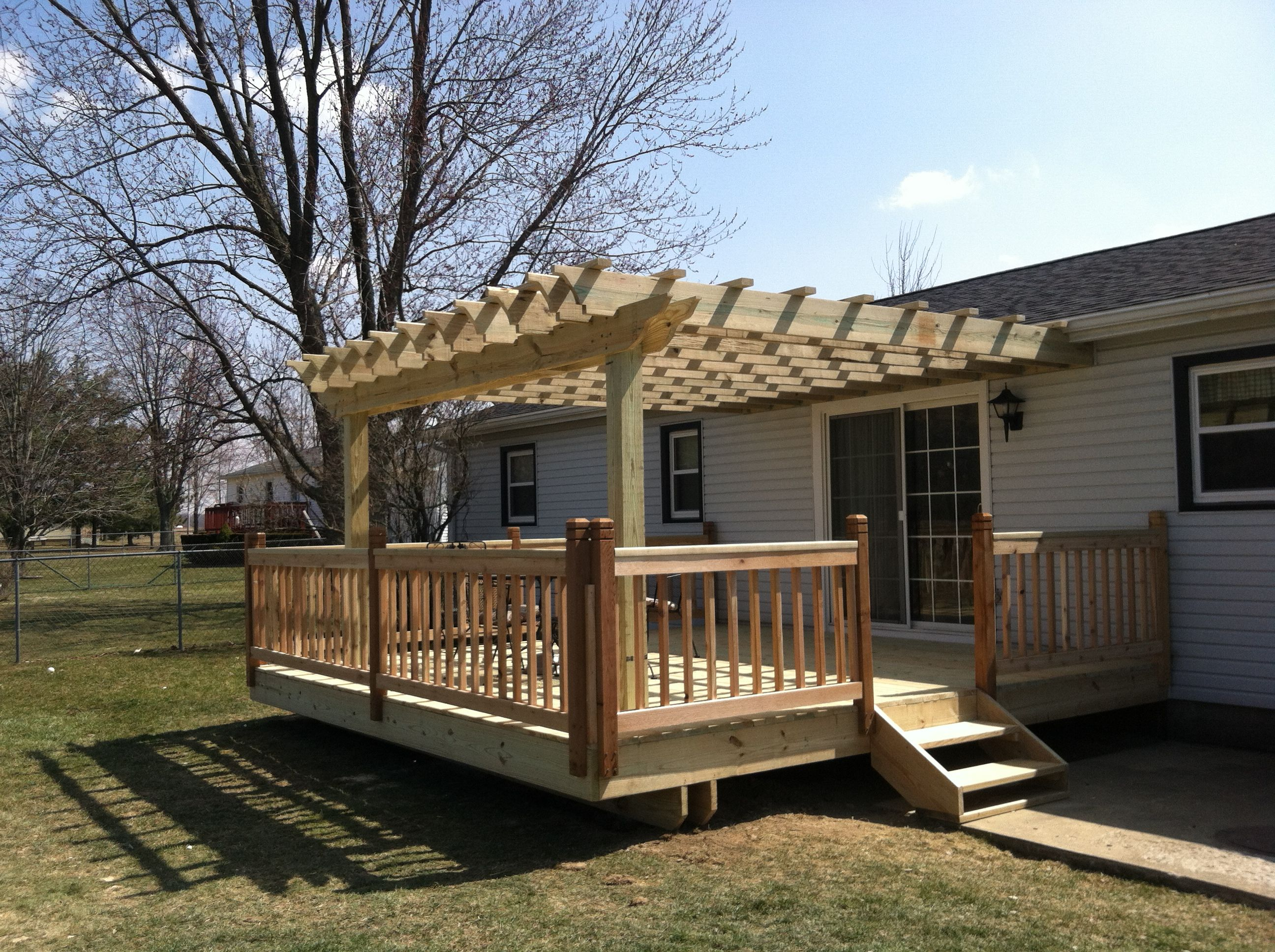 16x16 Deck With Pergola And Cedar Railings Deck Ideas