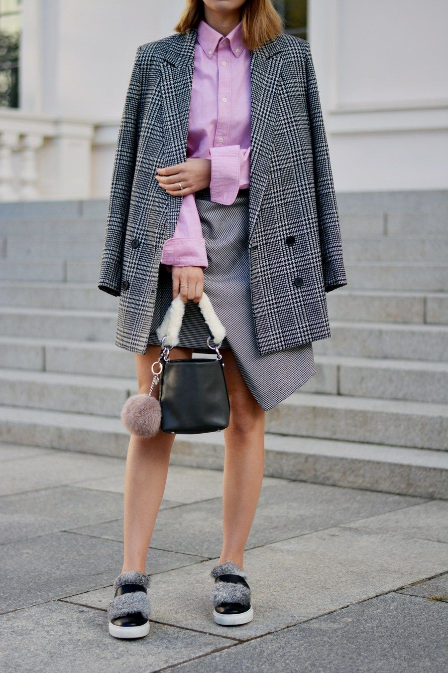 More on www.offwhiteswan.com Houndstooth Long Blazer by H&M Trend,  Hahnentritt Mini Skirt with Knot by Zara, Pink Oversized Shirt by H&M, Mini  Faux Fur Bag ...