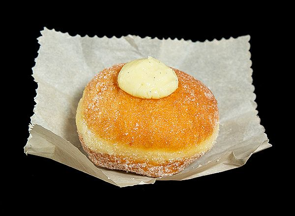 donuts filled with italian pastry cream