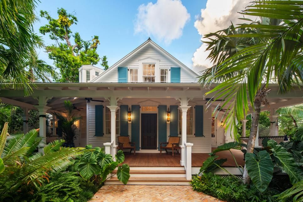 Before After Key West Home With Tropical Backyard Craig Reynolds Landscape Arch Mediterranean Homes Mediterranean Homes Exterior Mediterranean Style Homes