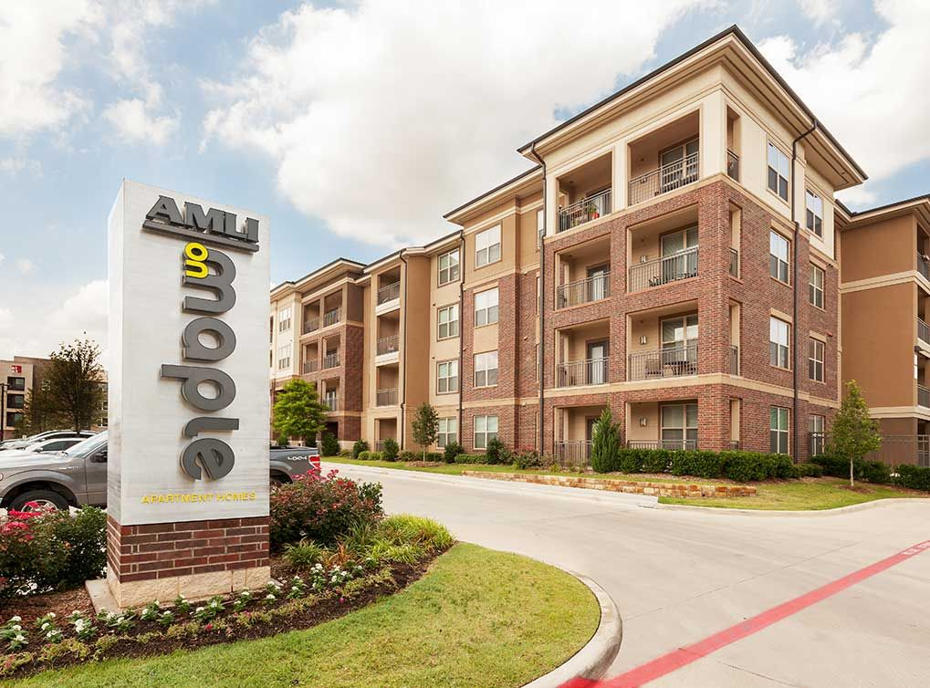 Amli On Maple Luxury Apartments In Uptown Dallas Apartments For Rent Senior Apartments Medical District