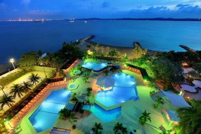 Hilton Hotel Cartagena. Midnight swim anyone? http://ticartagena.com/en/guides/city-guides/the-best-beach-stays-in-cartagena/
