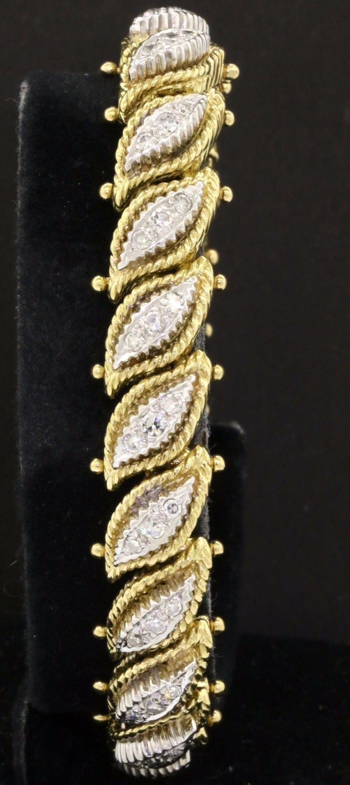 Designer hallmarked vintage heavy 18K 2-tone gold 2.0CT VS diamond link bracelet https://t.co/PD7Q96u0Xm https://t.co/zZWZ3a9nJY
