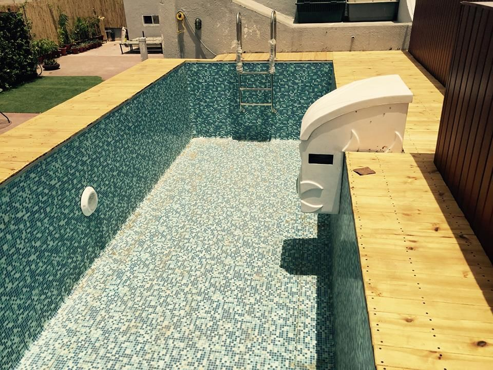 Roof Top Liner Prefabricated Swimming Pool At Green Park New Delhi India Size Of Pool Is 12 X 28x4 5ft With Prefabricated Swimming Pool Swimming Pools Pool
