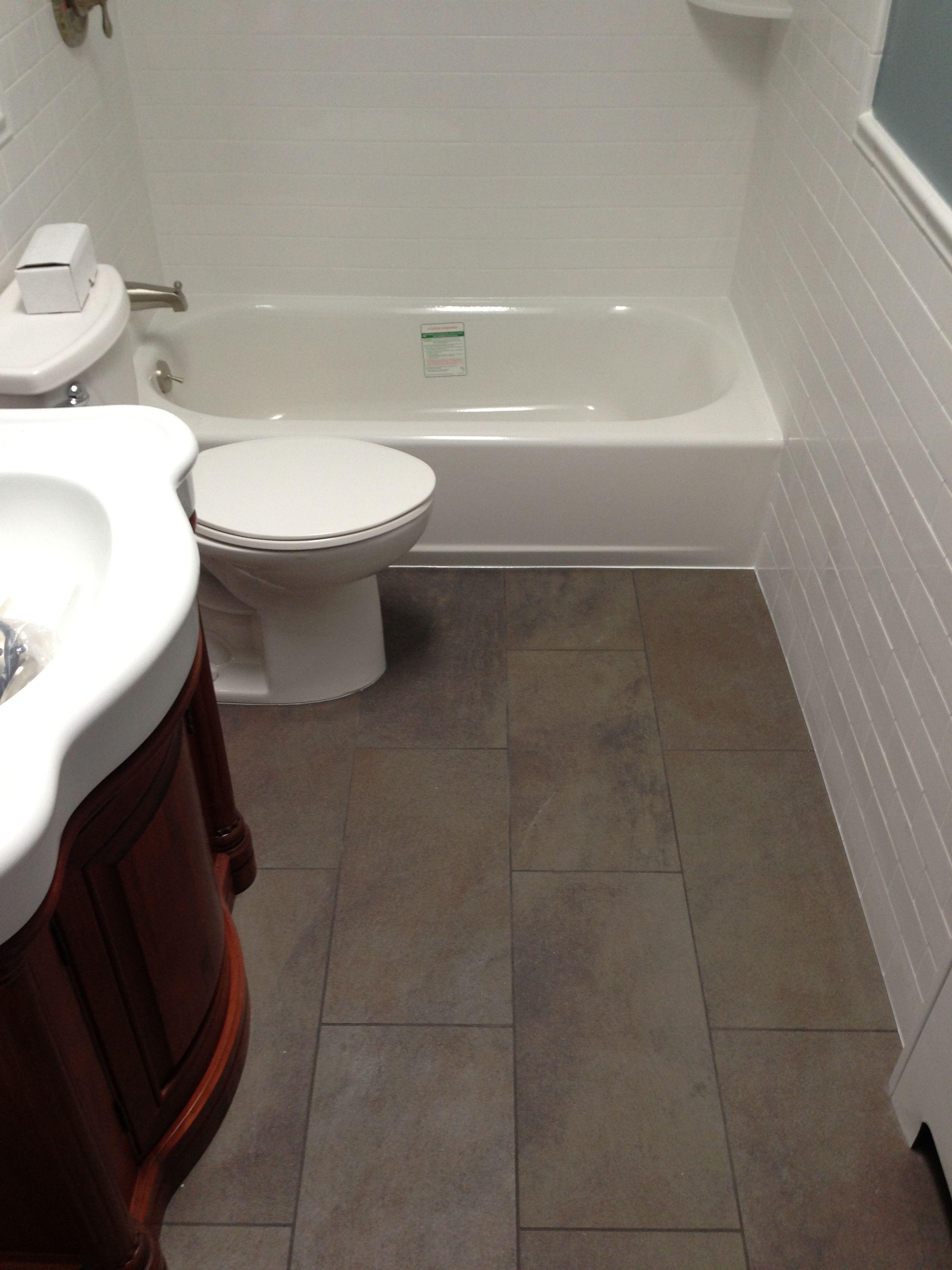 Creative Bathroom Floor Tile Ideas For Small Bathrooms Goodworksfurniture In 2020 Small Bathroom Tiles Bathroom Flooring Laminate Flooring Bathroom