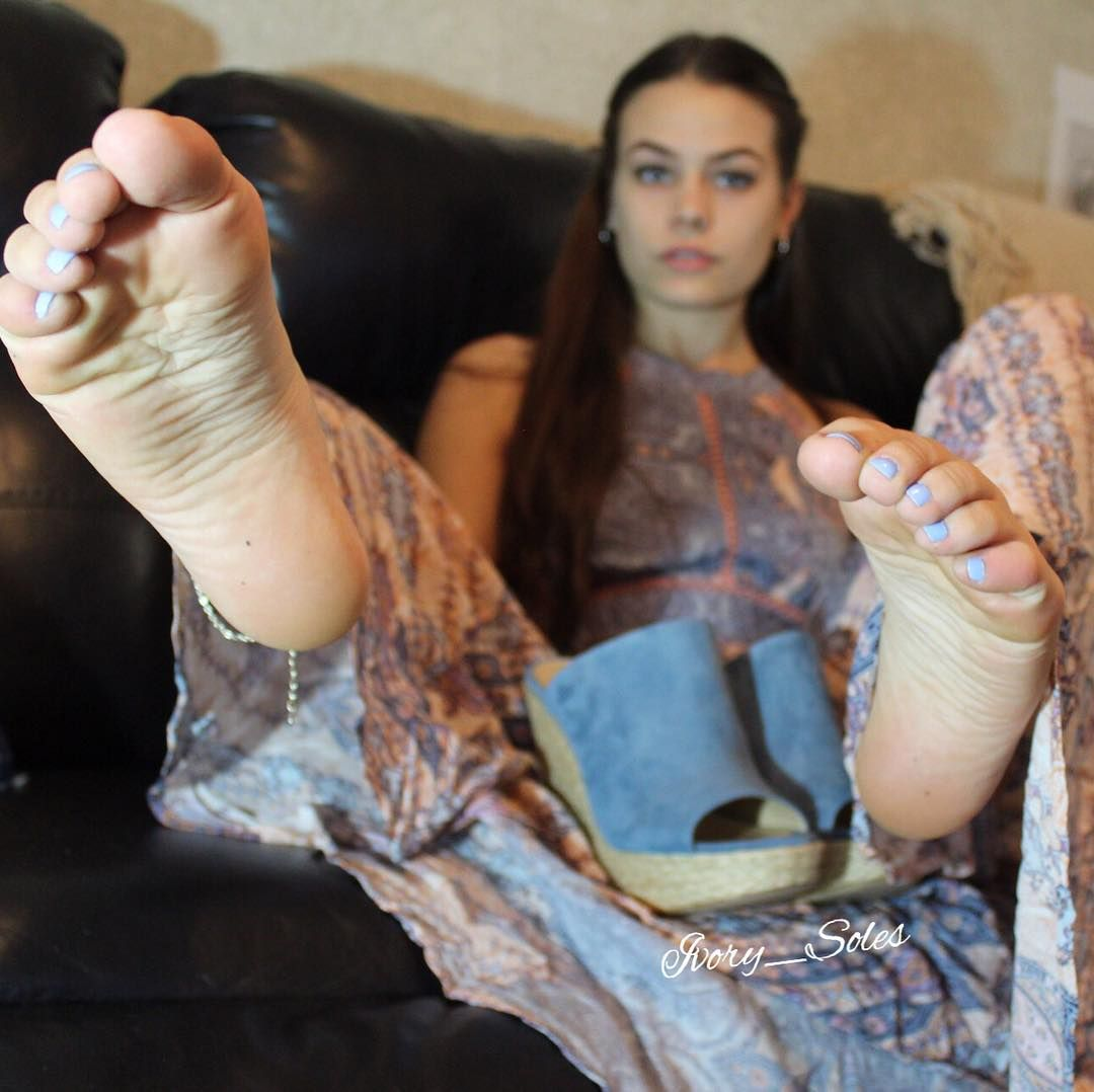 German socks and feet smelling young girl creampie
