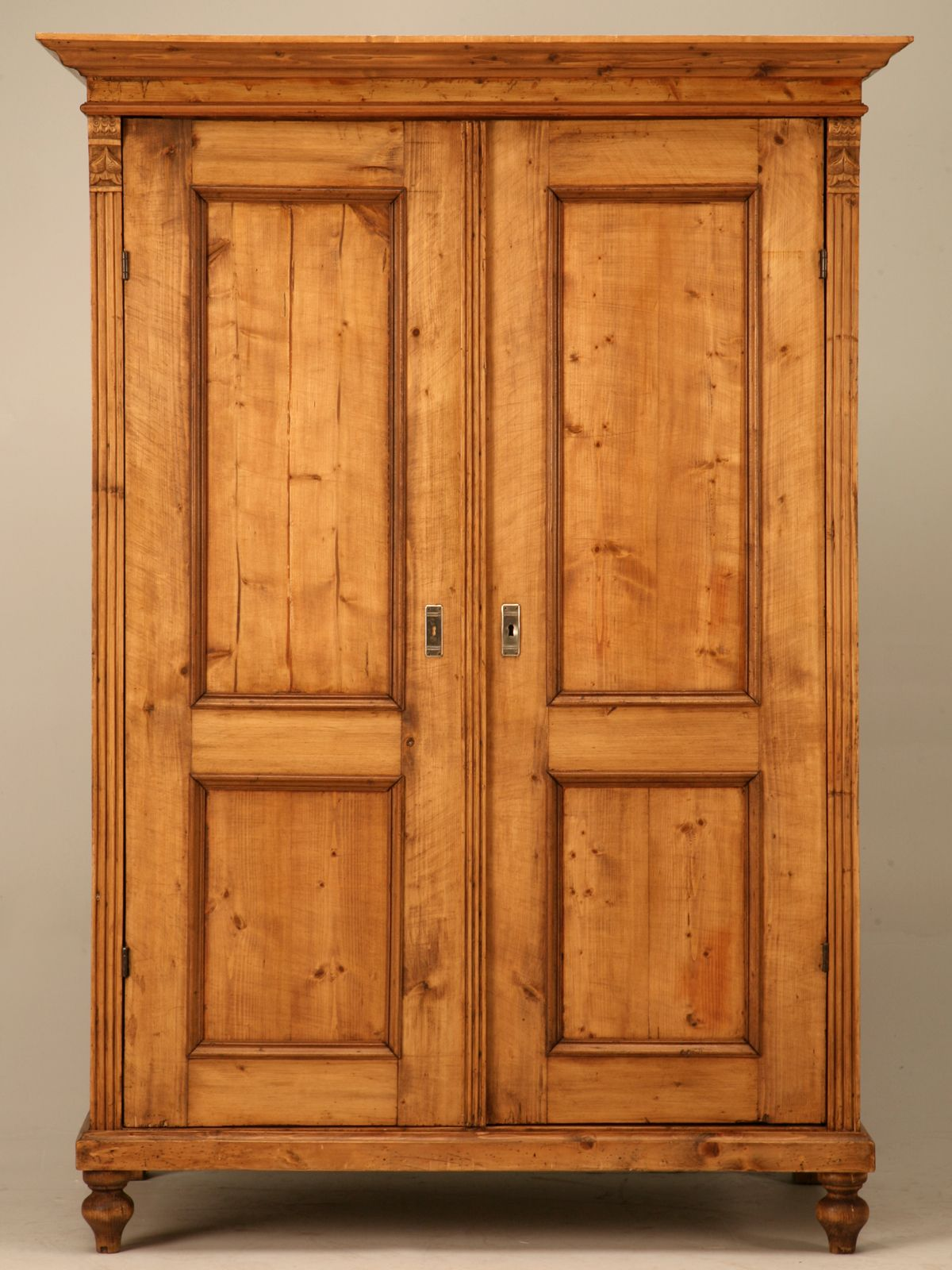 English Armoire Google Search Computerschrank Kiefer Mobel Kleiderschrank
