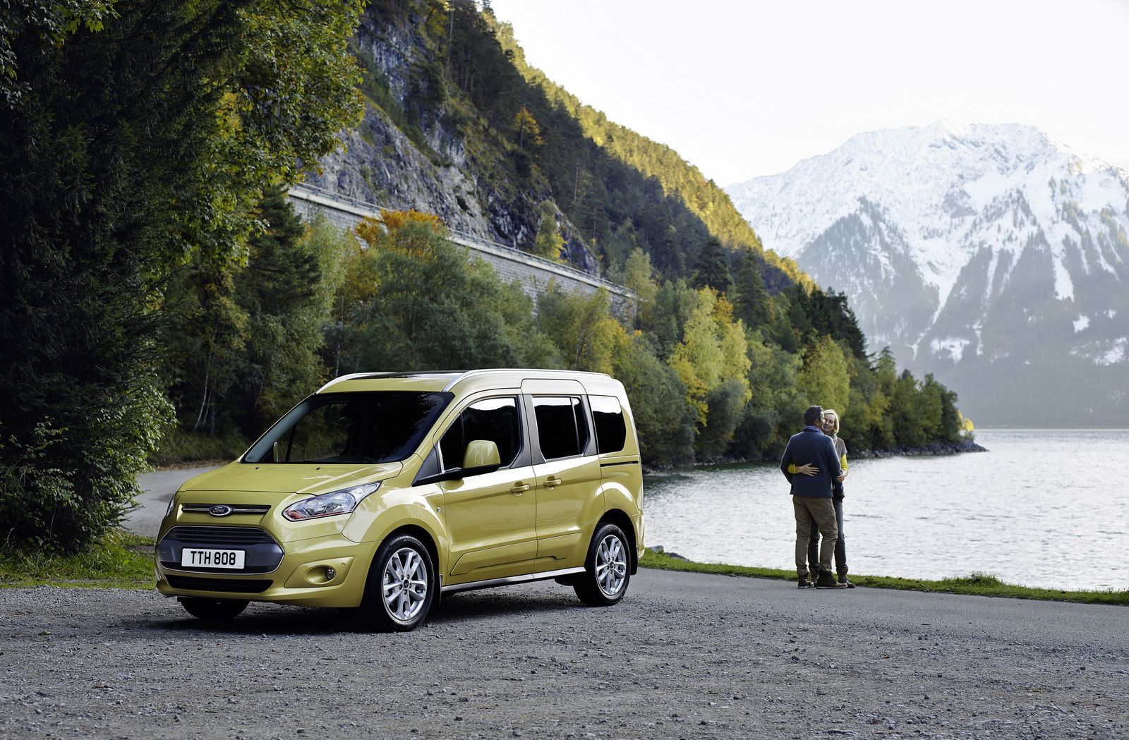 Ford tourneo connect and grand tourneo connect get new 1 5l diesel fresh features