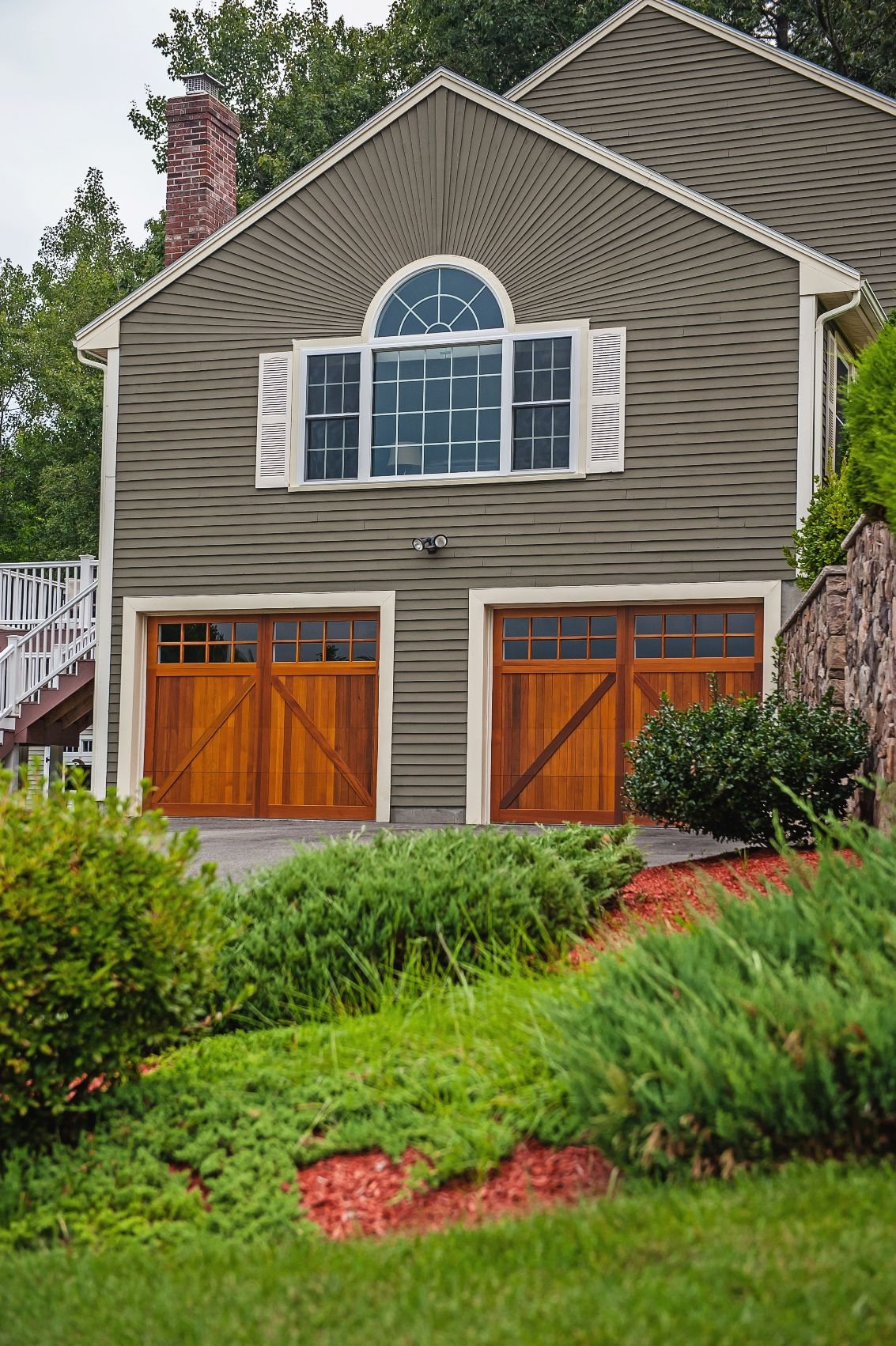 Wood Carriage House Garage Doors From C H I Overhead