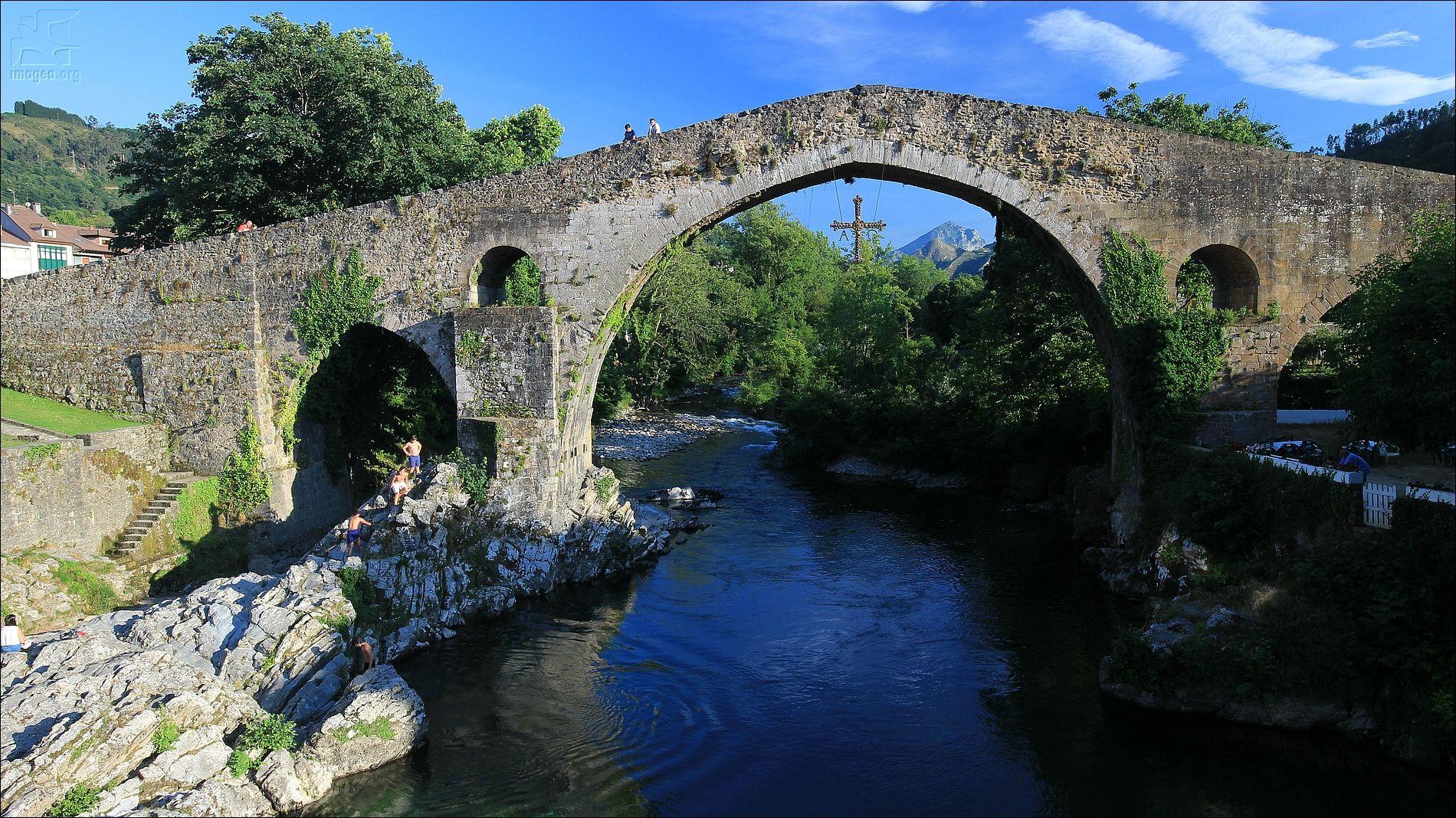 Cangas de Onís Roman bridge - Cangas de Onís Roman bridge - Asturias - Spain