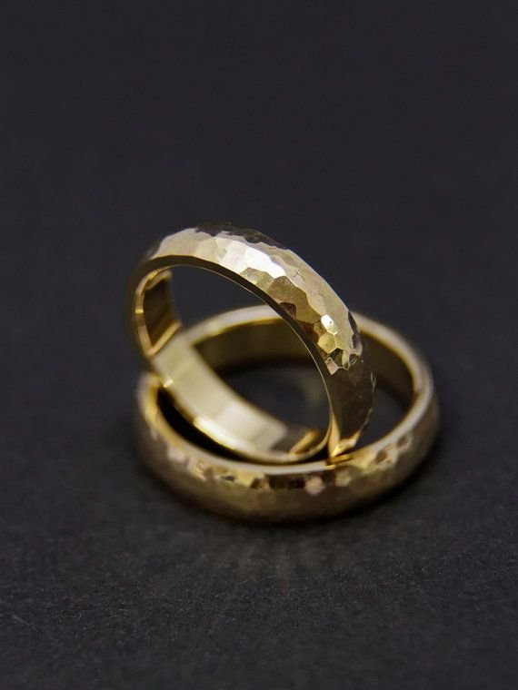 Gehämmerte Eheringe/Trauringe aus 585 Gold Gelbgold von fabrior
