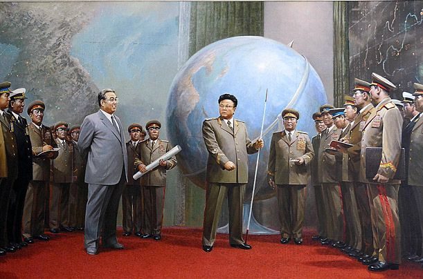 The sudden death of Kim Jon-il, while traveling on his personal train through a region of Norht Korea, has been echoed across the world. The most hermetic country in the world is facing what no country in the world has been succesful at: a second hereditary power transfer. Read the first of a series of two articles about Kim Jong-il's death.