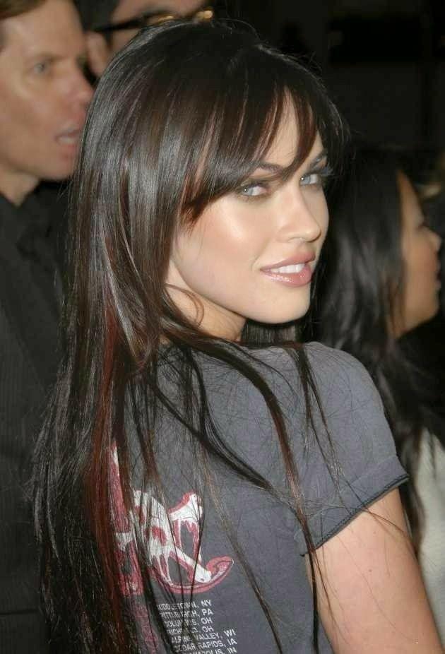 Pin By Nkt23 On Megan Fox Megan Fox Hair Long Hair Styles Hairstyles With Bangs